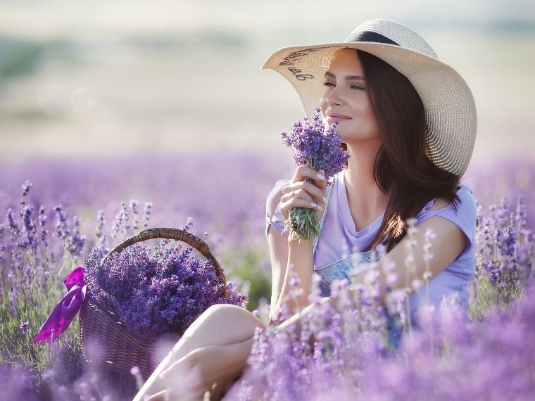 What is Aromatherapy and its Amazing Benefits?